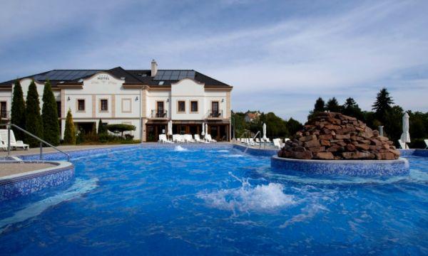 Hotel Villa Völgy - Eger - Élménymedence