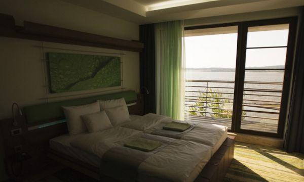 Vital Hotel Nautis - Gárdony - Kétágyas szoba Velencei-tavi panorámával