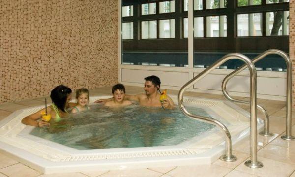 Hunguest Hotel Bál Resort - Balatonalmádi - Jakuzzi