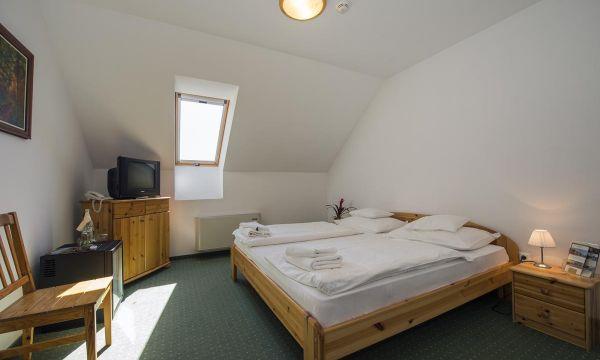 Zenit Hotel Balaton - Vonyarcvashegy - Zenit Vendégház - Franciaágyas szoba