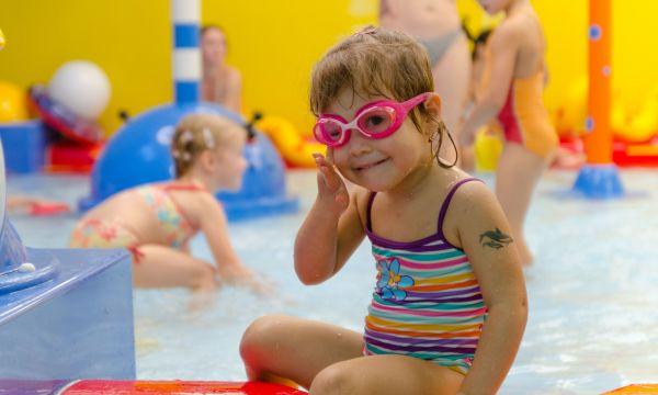 Kolping Hotel Spa & Family Resort - Alsópáhok - Gyerekmedence a családi élményfürdőben