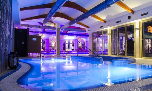 Kolping Hotel Spa & Family Resort - Alsópáhok - Termálmedence