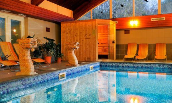Fried Kastélyszálló Resort - Simontornya - A fedett úszómedence