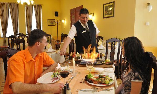 Fried Kastélyszálló Resort - Simontornya - Étterem