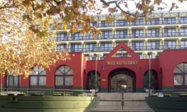 Mátyás Király Gyógy- és Wellness Hotel - Hajdúszoboszló - Főbejárat