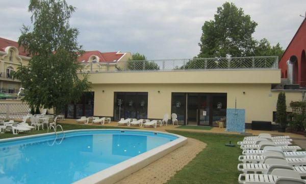 Mátyás Király Gyógy- és Wellness Hotel - Hajdúszoboszló - Kültéri strandmedence és fedett uszoda találkozása