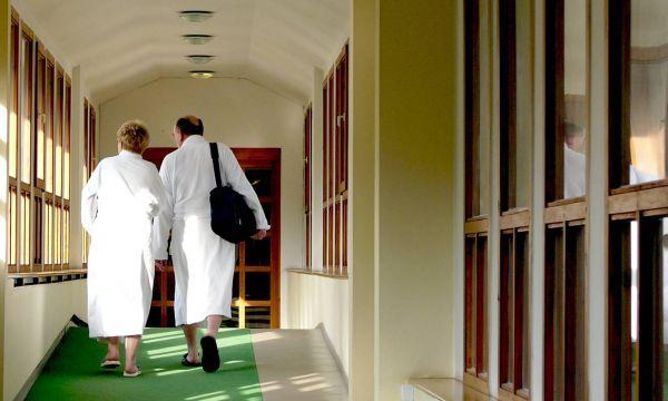 Hunguest Hotel Panoráma - Hévíz - Fedett folyosó a gyógyfürdő és a szálloda közt