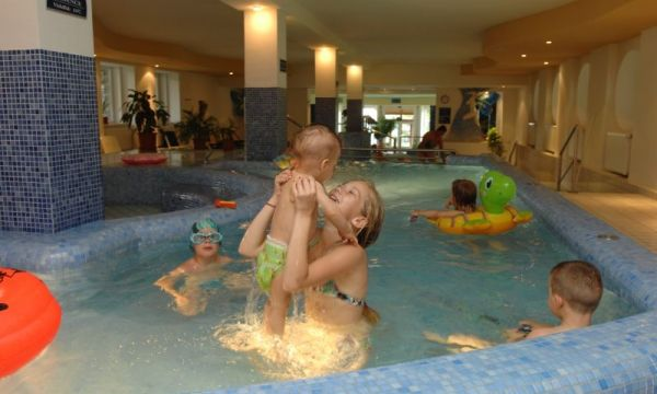 Hunguest Grandhotel Galya - Galyatető - Gyermekmedence
