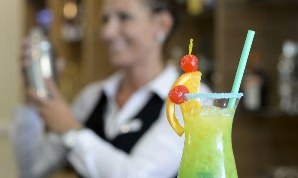 Hunguest Hotel Erkel - Gyula - Violin drinkbár