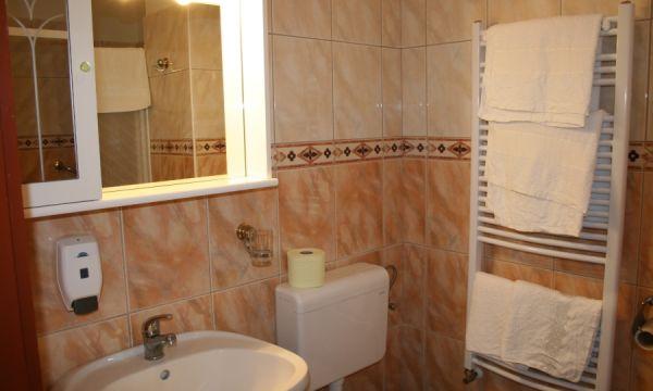 Hotel Venus - Zalakaros - Kétágyas szoba fürdőszoba