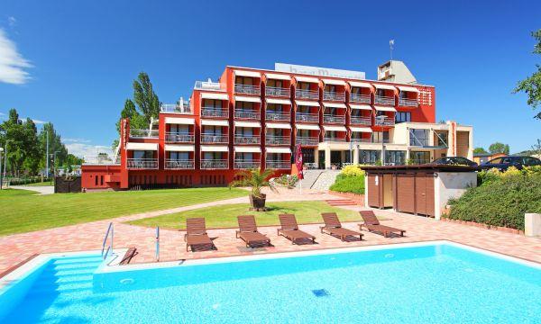 Hotel Margaréta - Balatonfüred - Szálloda és medence
