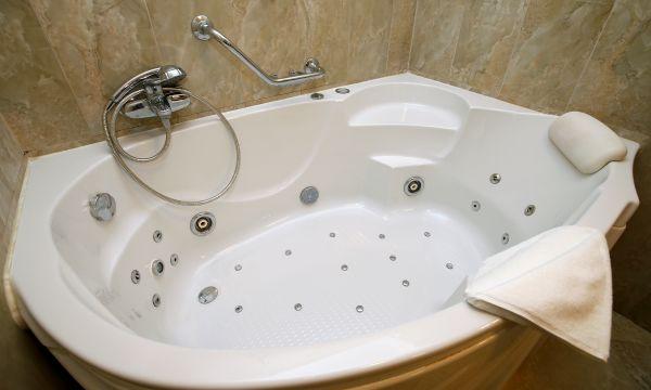 Hotel Ködmön - Eger - superior lux hidromasszázs-kád